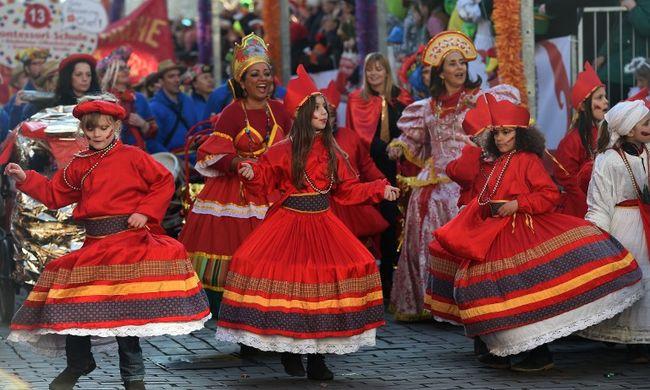 Szexuális támadások, rablások a kölni karneválon