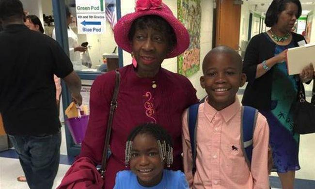 Autós üldözés: meghalt a 75 éves nagymama és az unokája