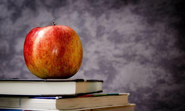 A kormány tárgyalna a tanárokkal, az MSZP bírál