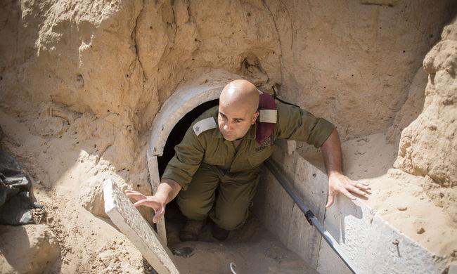 Ráomlott az alagút a katonai vezetőre