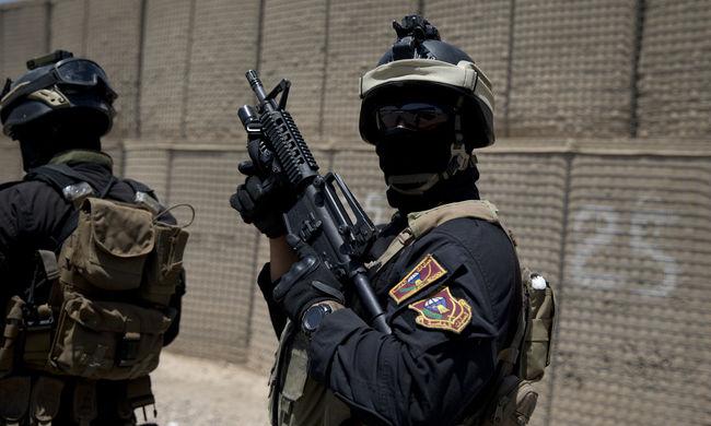 Fallal és a város köré épített árokkal barikádozza el magát Bagdad