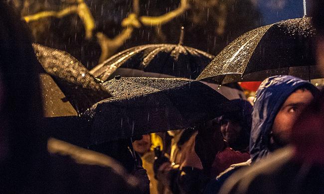 Marad a borús, esős idő