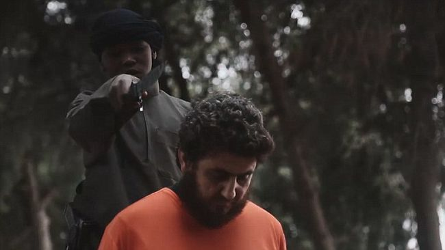 Egy gyerek gyilkol az Iszlám Állam legújabb videójában