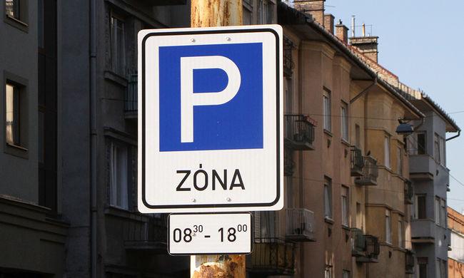 Új parkolási rendszert tesztelnek Budapest belvárosában, ez a jövő