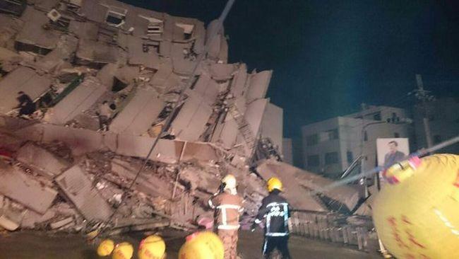 Tajvani földrengés: Találtak néhány túlélőt