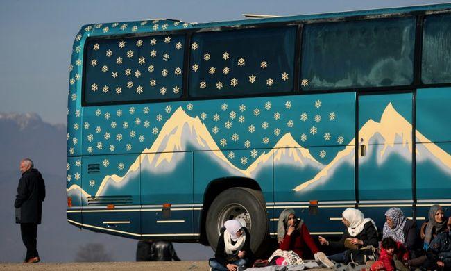 Macedónia nem engedi át az afgán migránsokat a határon