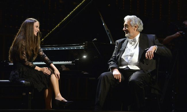 Plácido Domingo fiatal tehetségekkel találkozott a Zeneakadémián