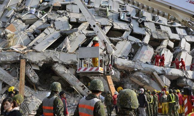 Tajvani földrengés: emberi hangokat hallanak a romok alatt