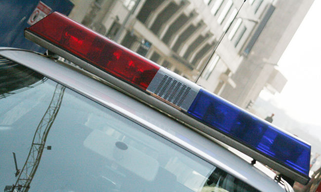 Aljas trükk: rendőrnek adták ki magukat a budapesti csalók