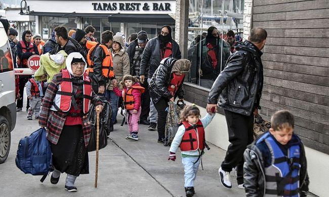 Migránsválság: Erőszaktól tart Kósz sziget polgármestere
