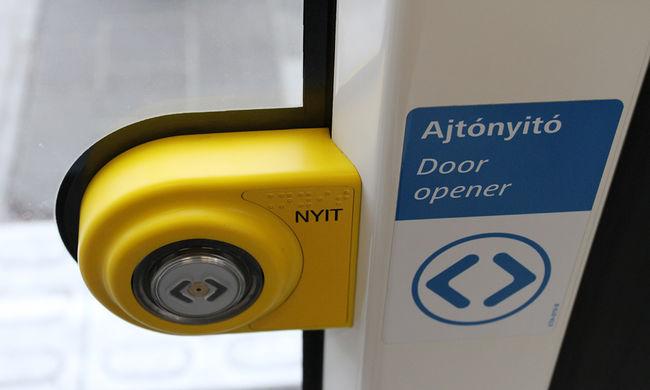 Ezt teheti, ha a buszon önnek esnek