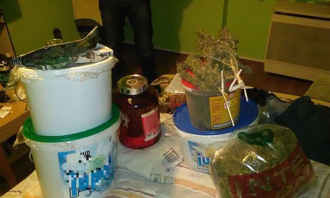 Vödrökben tárolta a több kilogramm kábítószert