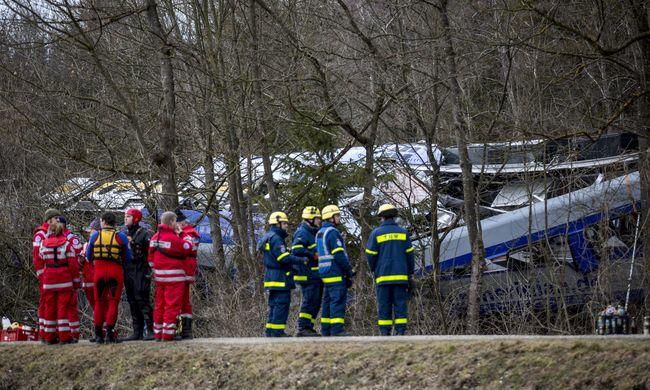Emberi hiba okozhatta a bajorországi vonatbalesetet