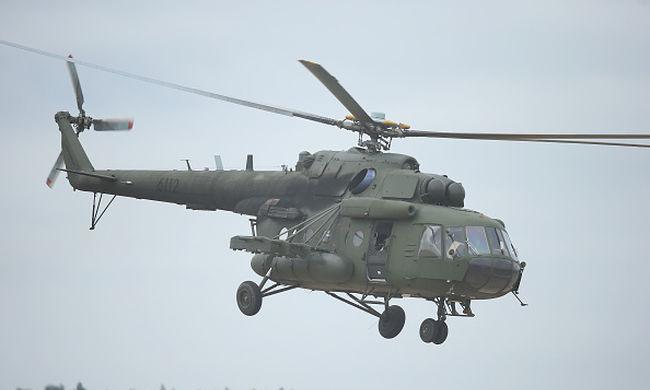 Helikopter zuhant az iskolára