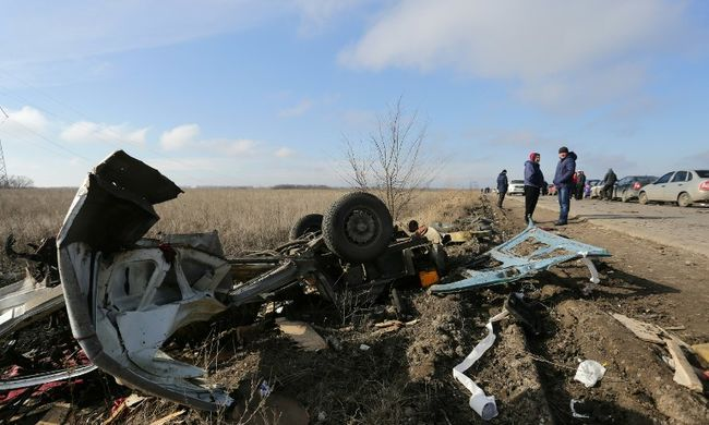 Felrobbant egy kisbusz, négyen meghaltak