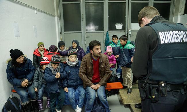 Harmadával kevesebb migráns kerülhet Ausztriába