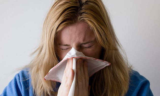 Terjed az influenzajárvány: elszigetelik a kórházakat