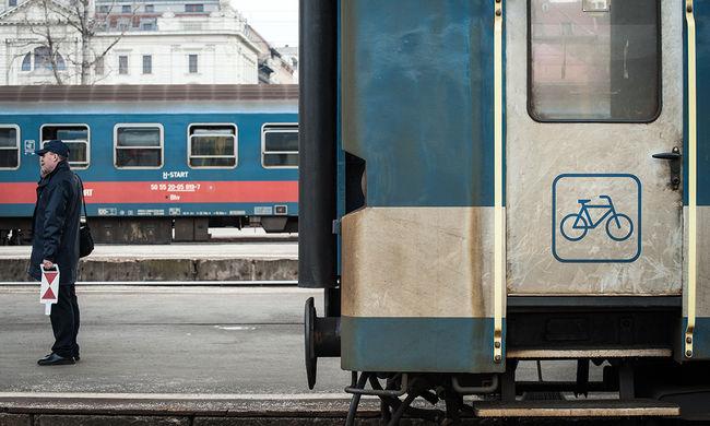 Embert gázolt a vonat, jelentős késésekre kell számítani
