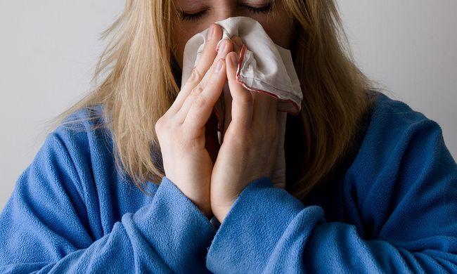 Kevesebb az influenzás, de több kórházban még mindig tilos a látogatás