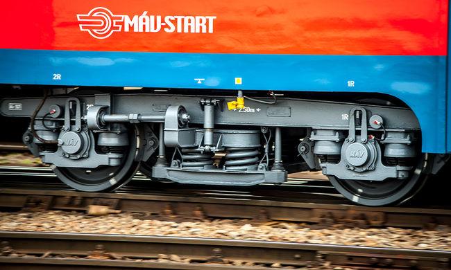 Megbénult a közlekedés: halálos gázolás miatt nem járnak a vonatok