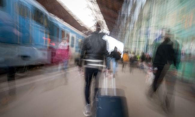 Csütörtökön ingyen vonatozhat, ha ezt felmutatja
