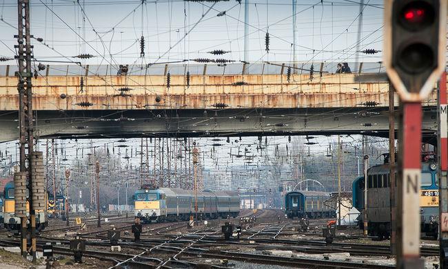 Halálos gázolás miatt késnek a vonatok