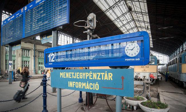 Így lehet spórolni, az utasok ötöde online veszi meg a vonatjegyét
