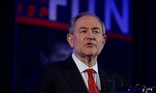 Újabb amerikai elnökjelölt-aspiráns lépett vissza