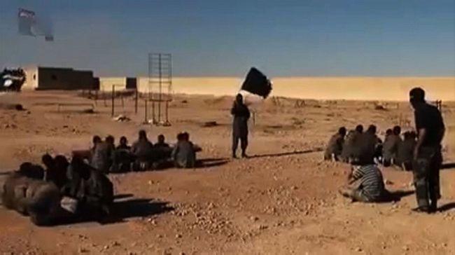 Brutálisan kivégezte az Iszlám Állam az ellene kémkedőket