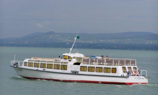 A Balatonról a Drávára úszik a vízibusz