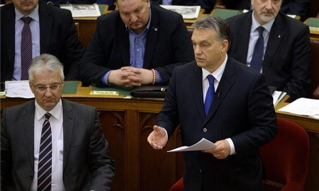 Orbán Viktor: Magyarország nyomás alatt van