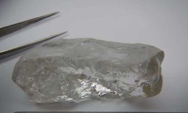 Rekordnagyságú gyémántot találtak