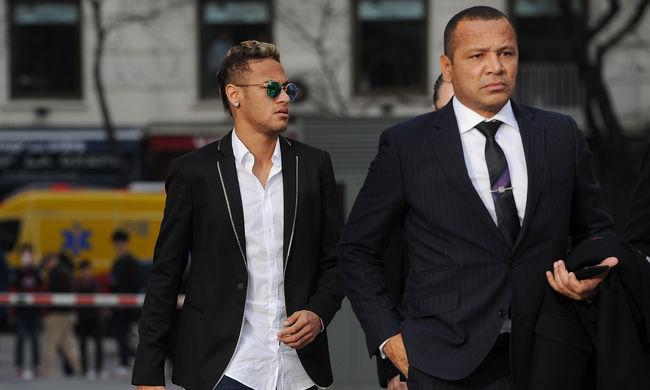 Lefoglalták Neymar jachtját és repülőjét