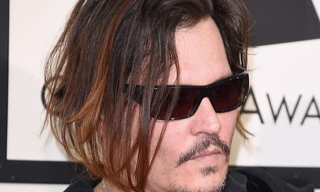 Nem bírta tovább felesége Johnny Deppet, beadta a válókeresetet