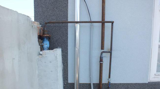 Rácsatlakozott a földgázvezetékre és másfél hónapig ingyen fűtött