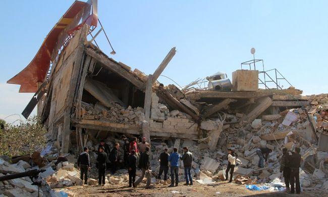 Háborús bűn: iskolát és kórházat bombáztak, sokan meghaltak