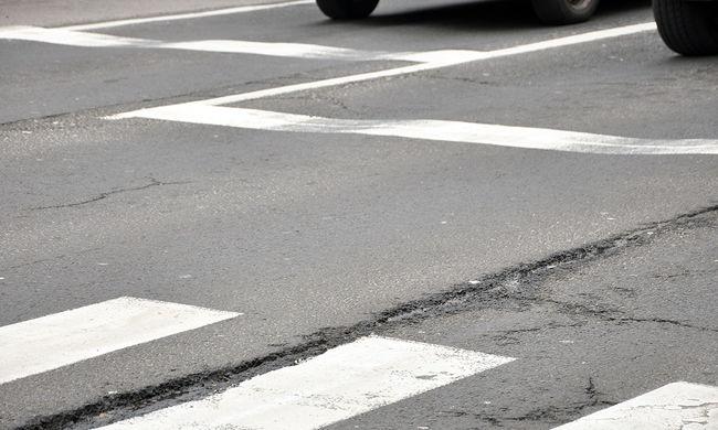 Elütöttek egy gyalogost a zebrán, a rendőrség keresi a sofőrt