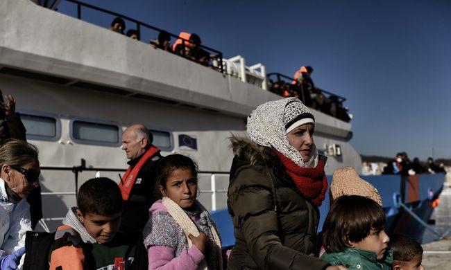 Besorozzák vagy férjhez adják és dolgoztatják a szíriai gyerekek 80 százalékát