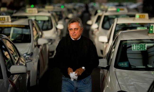 Tüntettek a spanyol taxisok az Uber ellen