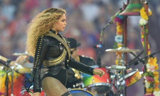Beyoncé ellen tiltakoznak az amerikai rendőrök