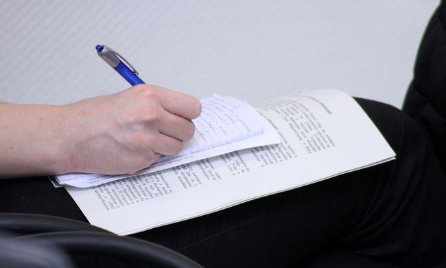 Kétperces teszt estére: mennyire jó helyesíró?