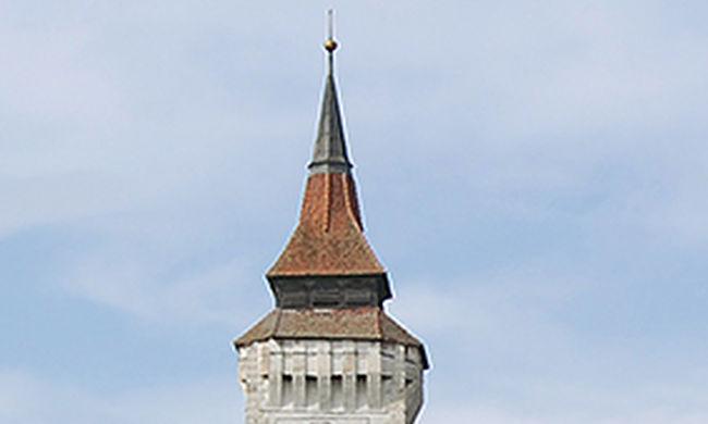 Leomlott a középkori műemléktemplom 40 méteres tornya