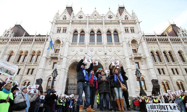 Így tüntettek Budapesten - képgaléria