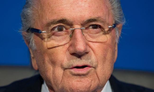 Blatter: Platini Nicolas Sarkozy utasítására szavazta meg a katari VB-t