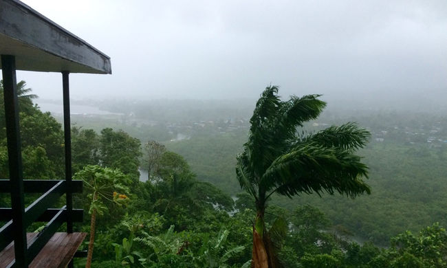 Öt ember halt meg az óriásviharban