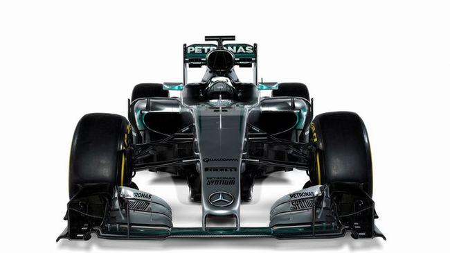 A Mercedes és a McLaren is bemutatta az új kocsiját