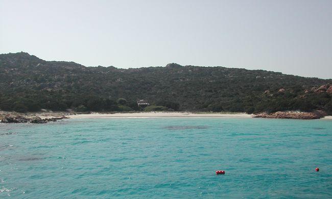 Diákok vennének meg egy mediterrán szigetet