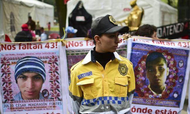 A kormányt vádolja a megölt diákok után nyomozó csoport