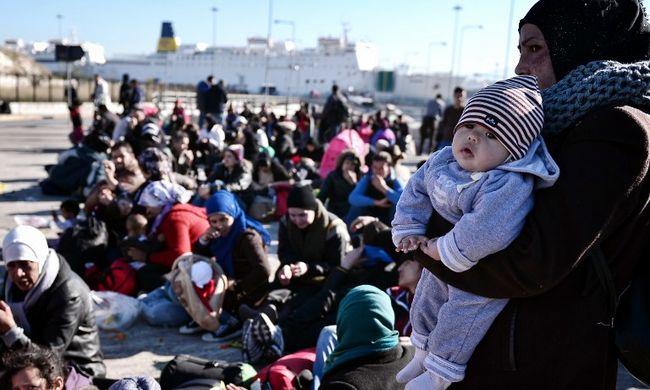 Ötezer migráns érkezett Görögországba