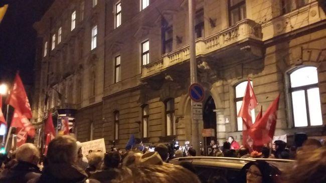 Tüntettek a szocialisták a népszavazás miatt